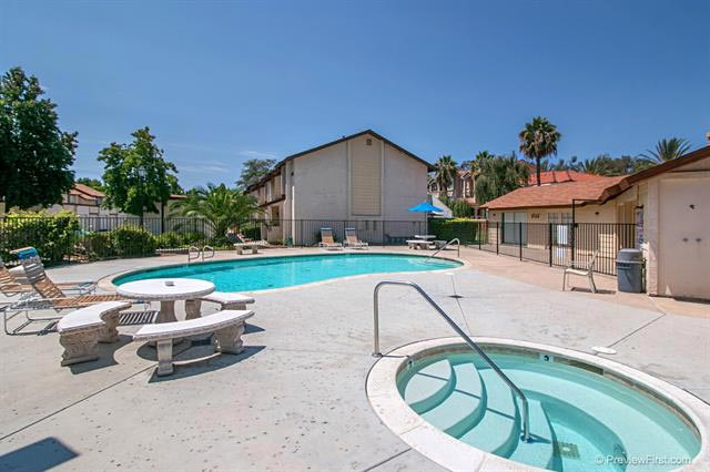 Riverview Townhomes Community Pool